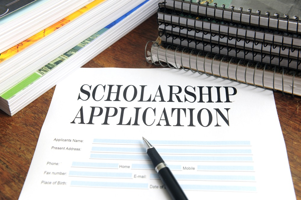 Apply Now! High School Scholarship